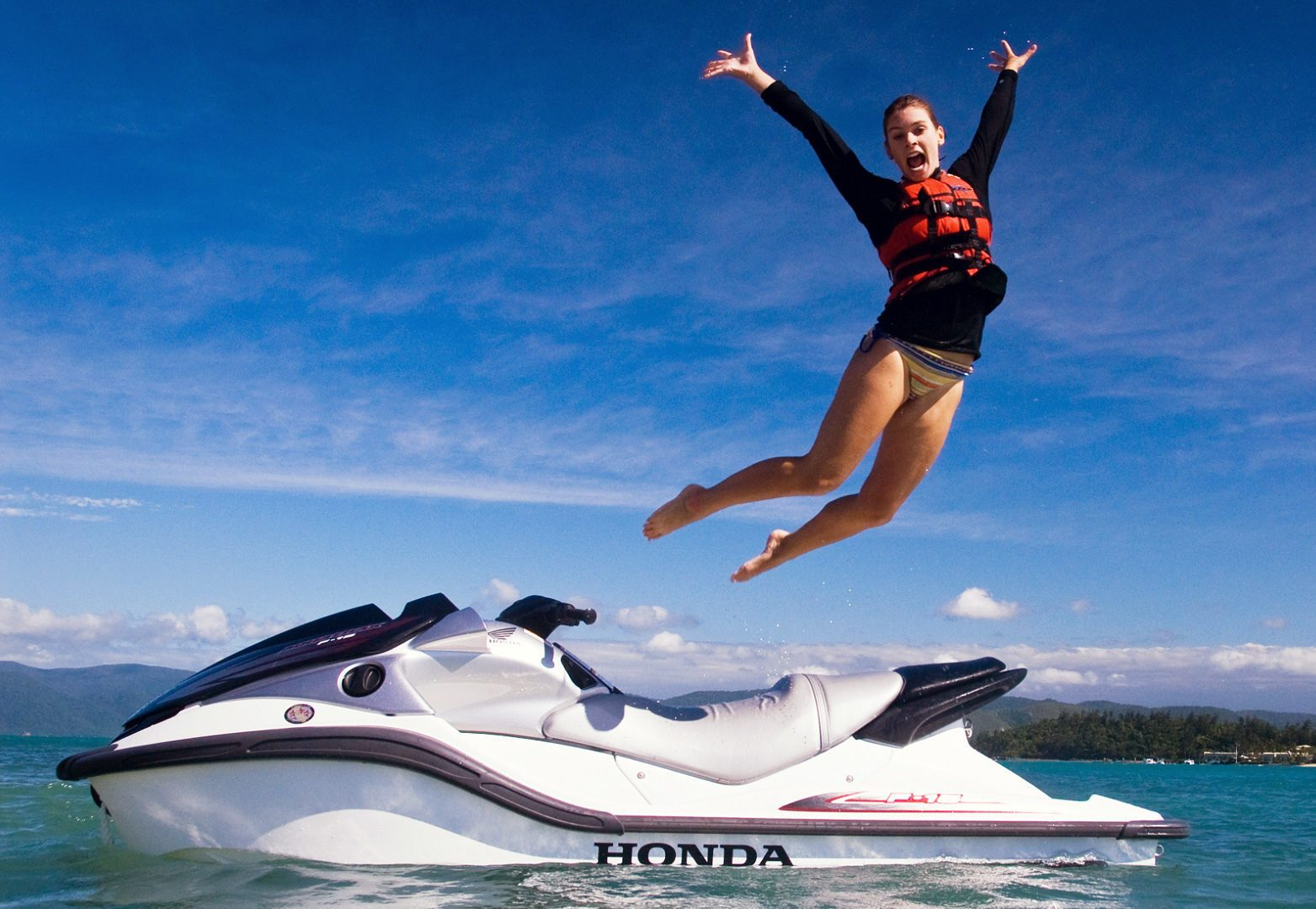 Jet-Skiing-HD-Wallpapers-6-e1494930715930