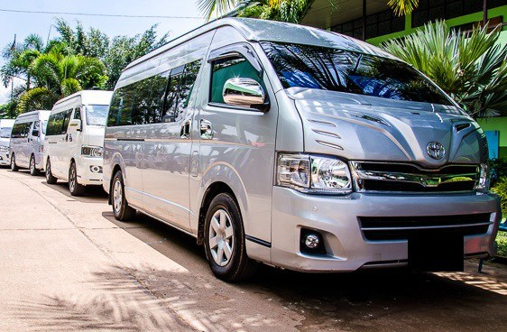 Minivan-Accident-Chiang-Mai